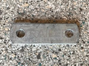 """14mm (9/16"""") Shackle Plate : 90mm centre Galv."""