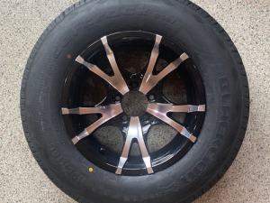 195R15 Black/Silver King Alloy Rim and Light Truck Tyre Rated 950kg Ford Stud
